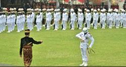 Jokowi Lakukan Hal Tak Bisa Usai Upacara Detik-Detik Kemerdekaan RI