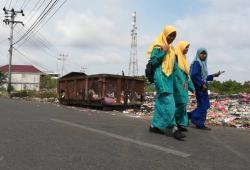 Sampah Berserak, DLH Sebar Empat Tong Sampah Raksasa
