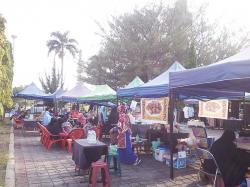 Akhir Pekan di Kawasan Masjid Raya An-Nur Provinsi Riau