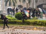 Ditembaki, Demonstran Hongkong Kembali ke Kampus