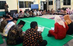 Pegawai Diskominfotik Baca Yasin dan Doa Bersama