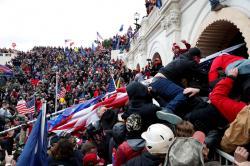 Penyelidikan 25 Kasus Terorisme Terkait Serangan Gedung Capitol Dibuka