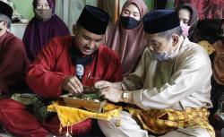 LAM Riau Anugerahkan Gelar Adat Istimewa Kepada Arifin Achmad