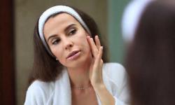 5 Kiat Menggunakan Tisu Pembersih Wajah dengan Benar