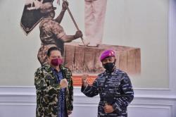 Datangi Markas TNI AL, Airlangga Sampaikan Dukacita KRI Nanggala 402