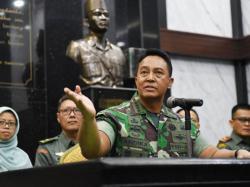 KSAD: TNI Pasang Toilet Portable di RSPAD