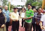 Bupati Serahkan Penghargaan ke RAPP dalam Bidang Kesehatan