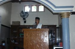 Anggota Binmas Polres Kuansing Jadi Khatib Idul Adha