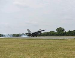 Latma TNI-US Pasific Air Force, 8 Pesawat Tempur F-16 Pengenalan Medan