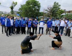 Serahkan SK, Ini Pesan Ketua Demokrat Riau untuk DPC Kuansing