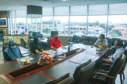 Jalin Silaturahmi, Telkomsel Kunjungi Riau Pos