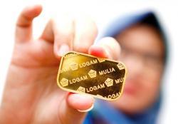 Harga Emas Antam Turun Rp12.000 Per Gram