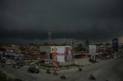 BMKG Prediksi  Cuaca Hujan  Disertai Petir