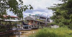 Restoran Kapal Padukan Konsep Restoran dan Wisata Sungai