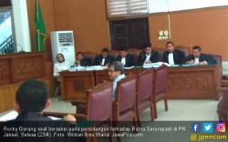 Rocky Gerung Jengkel Ratna Sarumpaet Berbohong