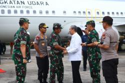 Kapolri dan Panglima TNI Tiba di Pekanbaru