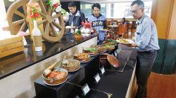 Hanya Rp88.555, Nikmati Makan Besa' di Hotel Labersa