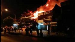 3 Ruko, 8 Rumah Musnah Kebakaran