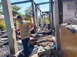 Gedung SDN 012 Candirejo Inhu Hangus Terbakar