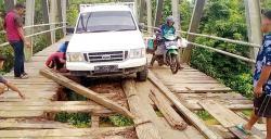 Jalan Lintas Selatan dan Jembatan Rusak Berat