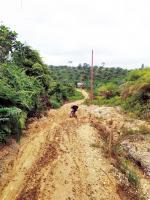 Jalan Desa Lahai Kemuning-Sanglap Semakin Hancur
