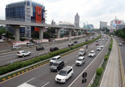 Volume Kendaraan Keluar Masuk Jakarta Menurun