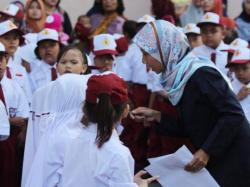 Sudah Tiga Bulan Guru Bantu SD di Pekanbaru Belum Gajian