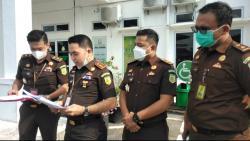 Usai Diperiksa, Kadis ESDM Riau Indra Agus Lukman Langsung Ditahan