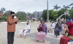 Dibeli di Warung Kecil, Achmad Kembali Bagikan 10 Ton Beras Untuk Warga