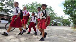Aktivitas Sekolah di Meranti Berganti E-learning di Rumah