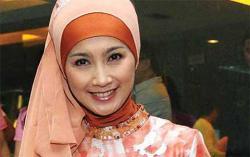 Desy Ratnasari Bersedia Dipasangkan dengan Ridwan Kamil