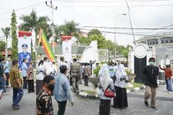 Ada Warga Kecewa Tak Kebagian Vaksin saat Kunker Jokowi di Pekanbaru