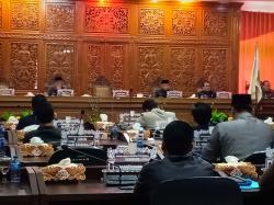 Fraksi DPRD Pertanyakan TPP untuk Pejabat Negara, Adam: Atas Dasar Apa Tunjangan Diberikan?
