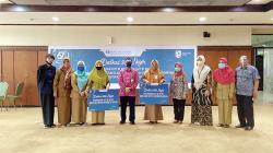 BI Riau Serahkan Bantuan Laptop ke Dua Sekolah