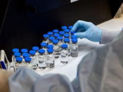 Belum Ditemukan Vaksin, Covid-19 Masih Menghantui Indonesia