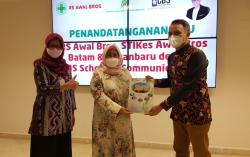 RS Awal Bros Grup MoU dengan CBS School Of Communications Jakarta