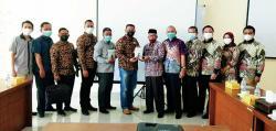 Prof Syafrani Bangga Alumni Unilak Lahirkan Karya Buku