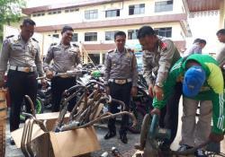 Polisi Potong Knalpot Bising
