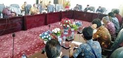Hearing Komisi II DPRD dengan Masyarakat Batas Buahkan Hasil