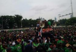 Ribuan Ojol Demo Pimpinan DPR