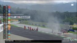 Usai Tabrakan Motor Pedrosa Terbakar, GP Sytria Red Flag