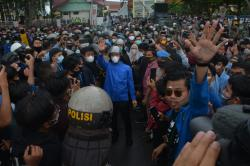 Fraksi Demokrat DPRD Riau Tegaskan Tolak Omnibus Law