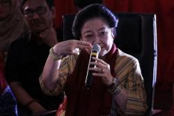 Diisukan Sakit, Megawati Tampil di Publik Beri Arahan Sekolah Partai
