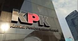 KPK Periksa Kabiro Hukum Pemprov Riau Terkait Alih Fungsi Hutan 2014