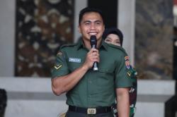KSAD Jenderal TNI Andika Beri Tugas Baru untuk Serda Aprilio