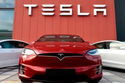 Tesla Mau Ekspansi ke Bisnis Smartwatch
