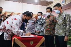 Bupati Rohil Dorong Peningkatan Investasi di Daerah