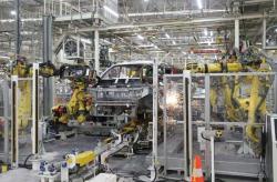 Industri Mulai Beralih Pakai Teknologi