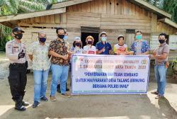 PT SSR Bantu 734 Paket Sembako untuk Warga Terdampak Corona di Inhu