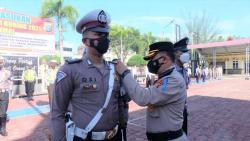 Gelar Operasi Patuh, Polres Dumai Bagikan Sembako